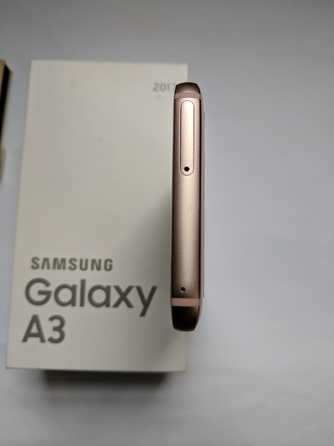 RARE Samsung Galaxy A3 2017 that works well with US LTE-a3top.jpg