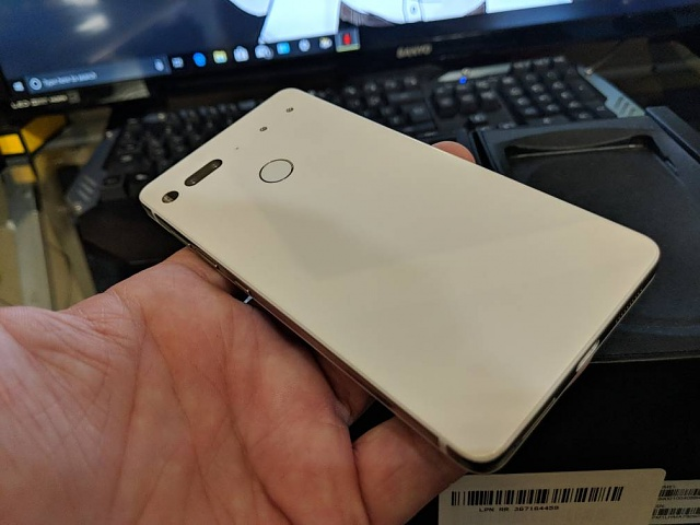 Fine Essential Phone with 360 Cam and Cases - white-img_20180608_090256.jpg
