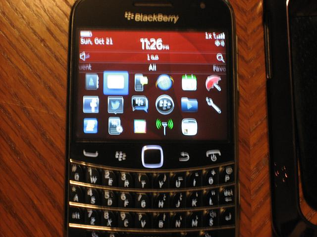 VZW 9930 WTS/WTT Great condition with extras.-img_2310.jpg