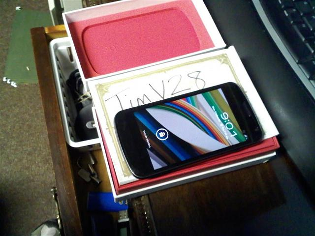 Verizon Samsung Galaxy Nexus + extras 0-1029022101-large-.jpg