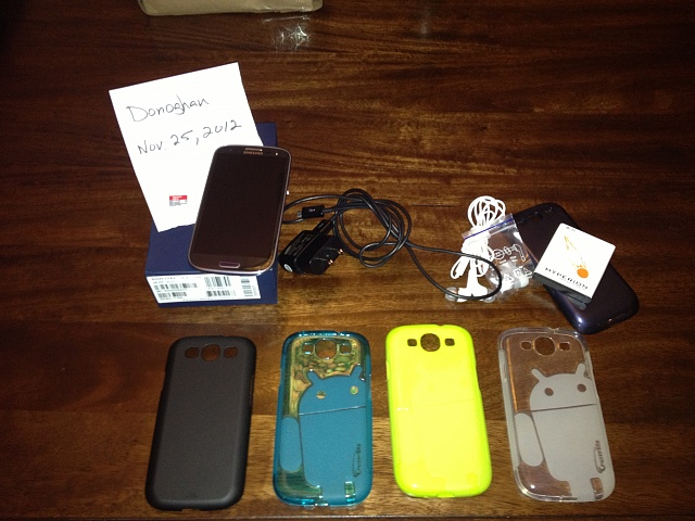 16gb AT&T Pebble Blue Samsung Galaxy S3, 32gb micro SD, 4 cases, and 4200mAh extended battery-2012-11-25-17.28.17.jpg