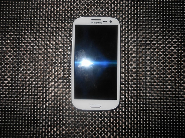 Verizon White Samsung Galaxy S3 32GB-uploadfromtaptalk1354140073766.jpg