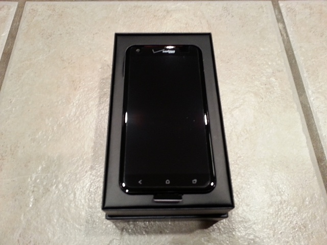 Mint Condition DROID DNA-2012-12-27-22.46.35.jpg