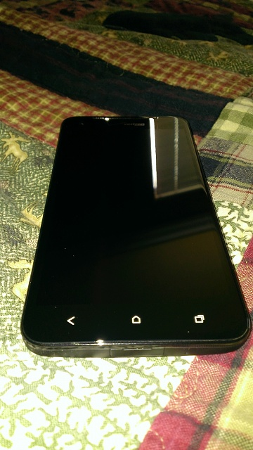 Mint Droid DNA, box plus unopened charger, Diztronic and VZW TPU cases-wp_20121230_006.jpg
