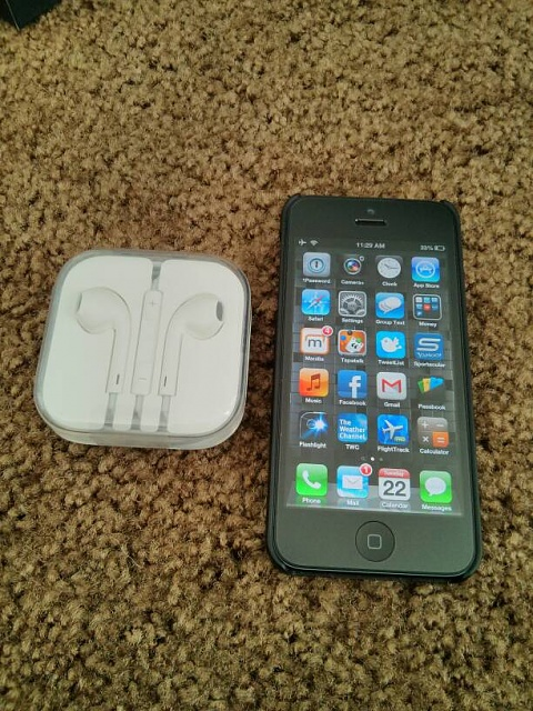 Factory unlocked 16GB iPhone 5 black slate with applecare +-uploadfromtaptalk1358955536702.jpg