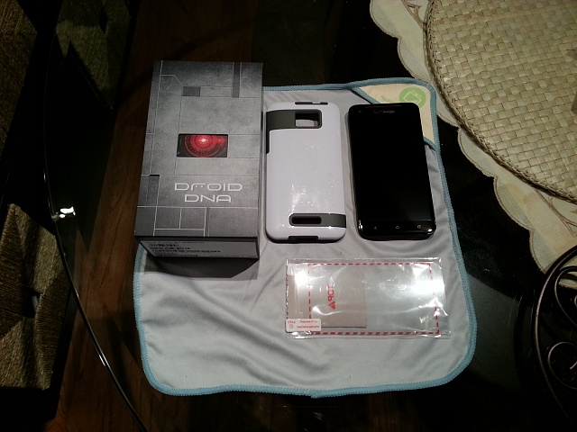 HTC DROID DNA w/ Nokia DT-900 Wireless Charging and Extras-20130130_154257.jpg