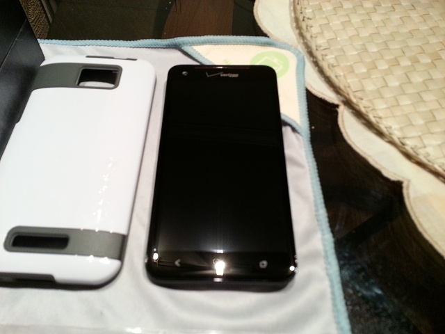 HTC DROID DNA w/ Nokia DT-900 Wireless Charging and Extras-20130130_154308.jpg