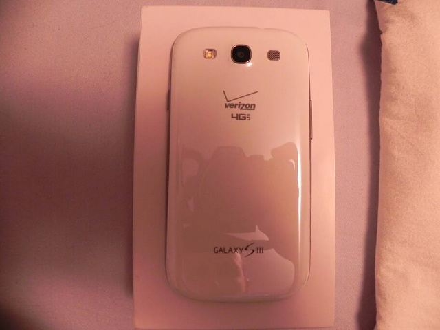 Verizon Galaxy S3 (16gb) /Mophie Juice Pack-uploadfromtaptalk1359919084996.jpg
