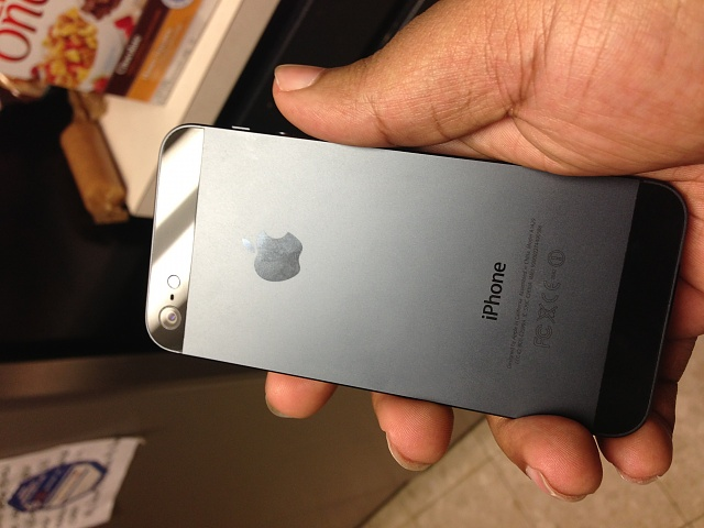iPhone 5 64GB Black (Verizon) Mint condition w/ 2 additional lightning cables-iphone-5.8.jpg