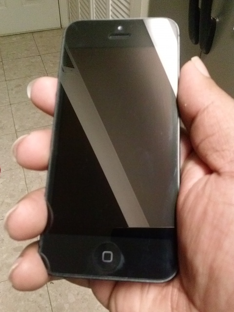 iPhone 5 32GB (Black) Verizon *Great Condition*-cam00008.jpg