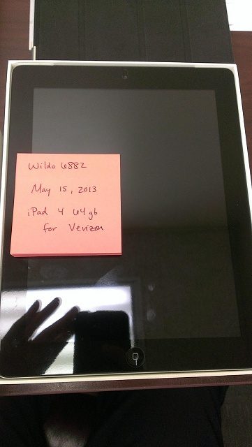 Flawless Black Verizon iPad 4 64gb w/Zagg, Leather SmartCover, and Belkin back protection-2013-05-15-10.21.44.jpg