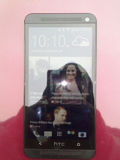 HTC ONE 32GB (Black) for Sprint w/ Otterbox and flip case *Excellent Condition*-photo-2.jpg
