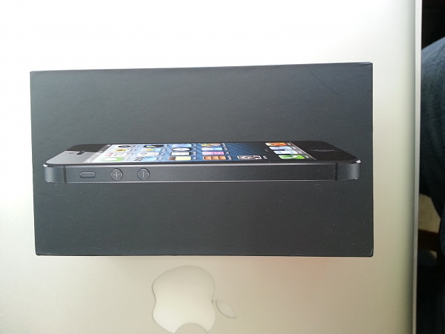 Verizon iPhone 5 16 GB Black-20130805_092641.jpg