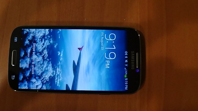 Like new Samsung Galaxy s4 for Verizon+++accessories, MINT - Android