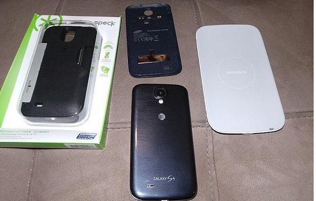 AT&T Galaxy S4 32gig with extras & Sprint Note II-2.jpg