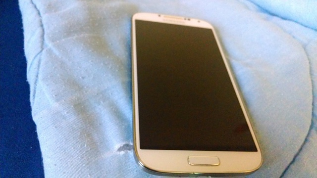 Verizon Samsung Galaxy S4 White w/ Accessories-img_20131118_160447779.jpg