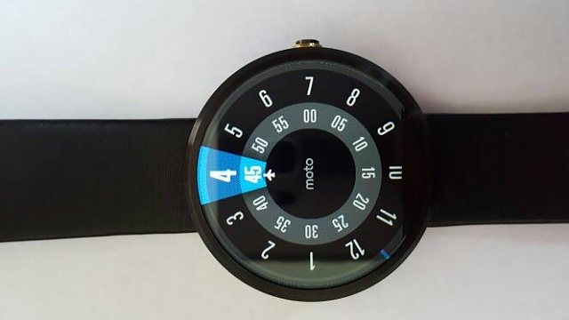 Moto 360 and Gear Fit-0 for BOTH-2310.jpg
