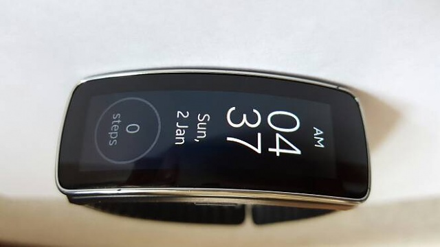 Moto 360 and Gear Fit-0 for BOTH-2315.jpg