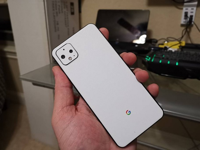 Google Pixel 4XL - Black w/ White Skin 128 Gb + Extras-img_20200113_183703.jpeg