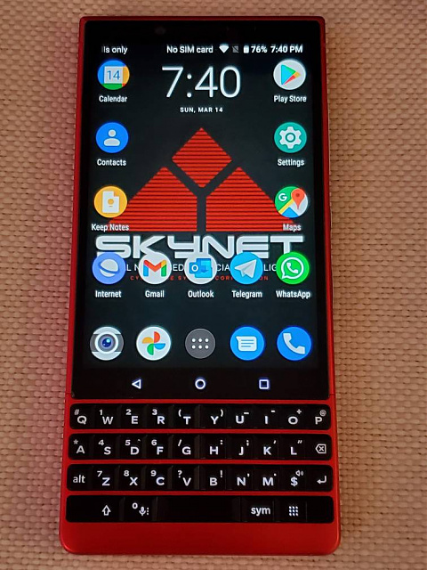 BlackBerry KEY2 Red Edition & Galaxy Buds+-1038846766.jpeg
