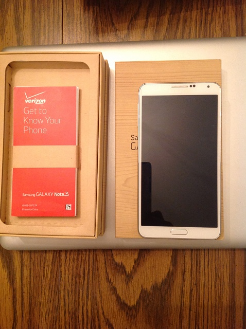 Samsung Galaxy Note 3 Accessories in Box White Samsung Galaxy Note 3