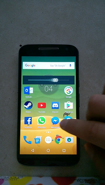Moto G4 XT1622 motion blur like effect on app icons or on text when swiping in any direction-snap.jpg