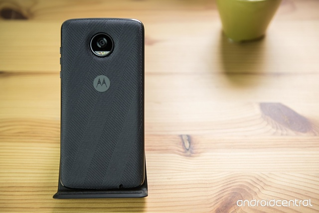 Moto Style Shell with Wireless Charging-moto-z2-play-12.jpg