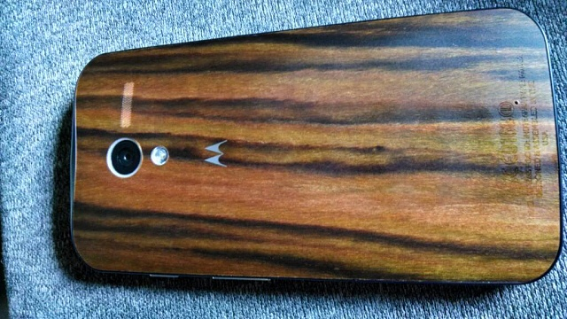 Moto X: How Slippery are the Wood Backs?-uploadfromtaptalk1390759148383.jpg