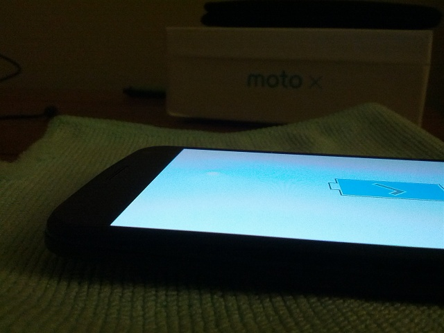 Odd bump in the Glass of new Moto X-img_20140126_203530.jpg