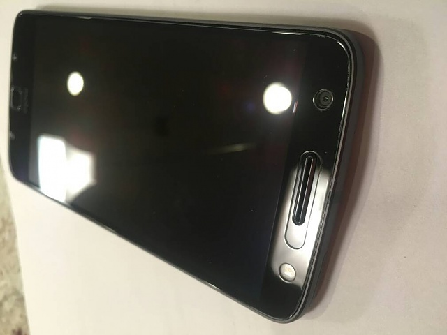 Screen Protectors for the Moto Z Force-6360.jpg