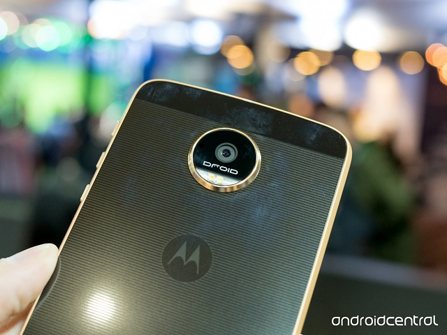 Confessions of a Motorola Fangirl: The Honeymoon is Over-moto-z-force-07.jpg