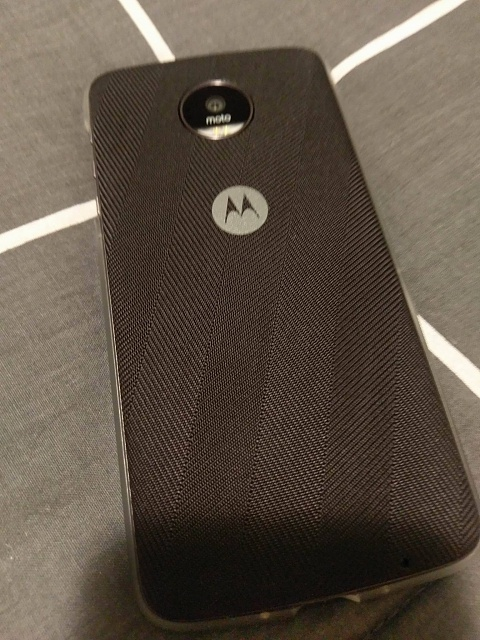 UK Moto Z - comes with free bumper and different style shell-14285108_10157386451335048_1578741640_o.jpg
