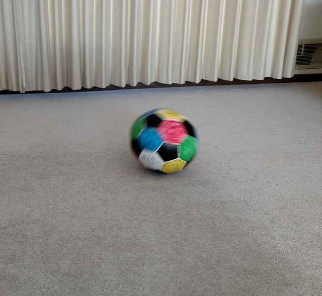 Verizon Motorola Droid Turbo Photo's Auto focus blurry. Why?-soccerball0_open_cropped.jpg