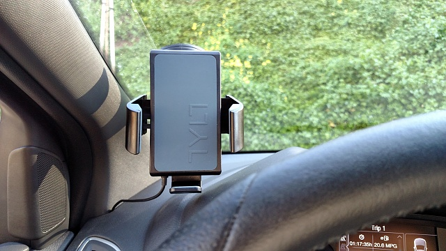 TYLT VU Wireless Charging Car Mount-tylt-vu-car-1.jpg