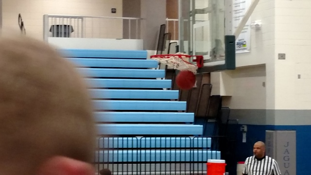 Is there a replacement camera app that makes the camera better?-img_20150213_freethrow3.jpg