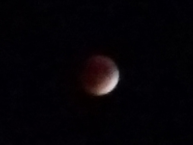 Post Pictures Taken with your DROID TURBO here-blood-moon-92715.jpg