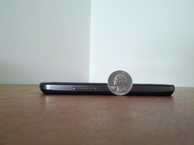 Are you using a case on your nexus 4?-img_20130128_105603.jpg