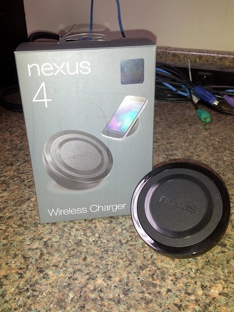 Nexus 4 Wireless Charging Orb Delivered-img_20130215_135559-1-.jpg