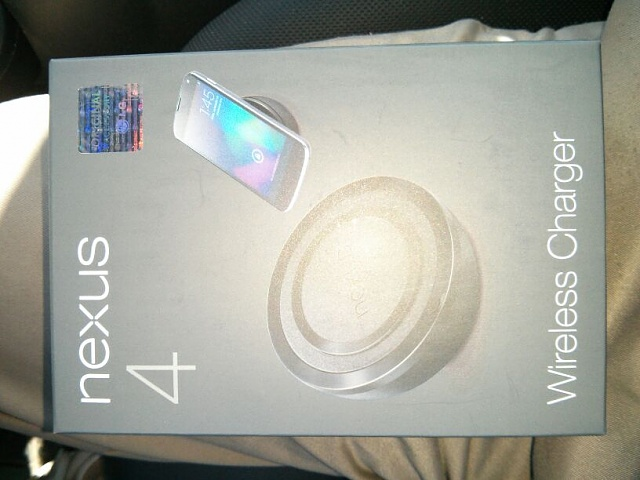 Nexus 4 Wireless Charging Orb Delivered-uploadfromtaptalk1360962619257.jpg