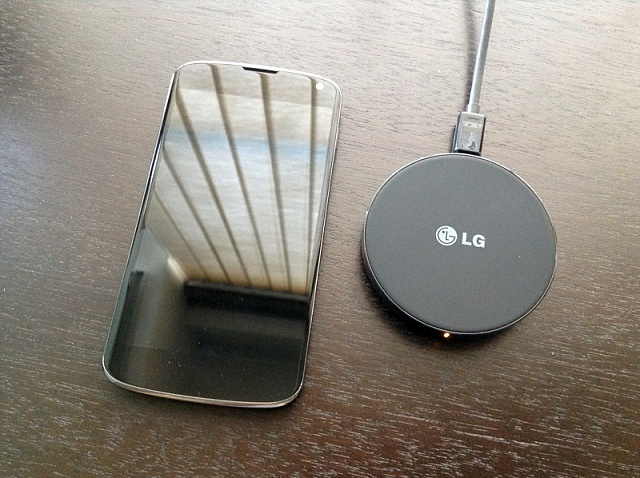 LG WCP-300 Wireless Charger Review-wcp01.jpg