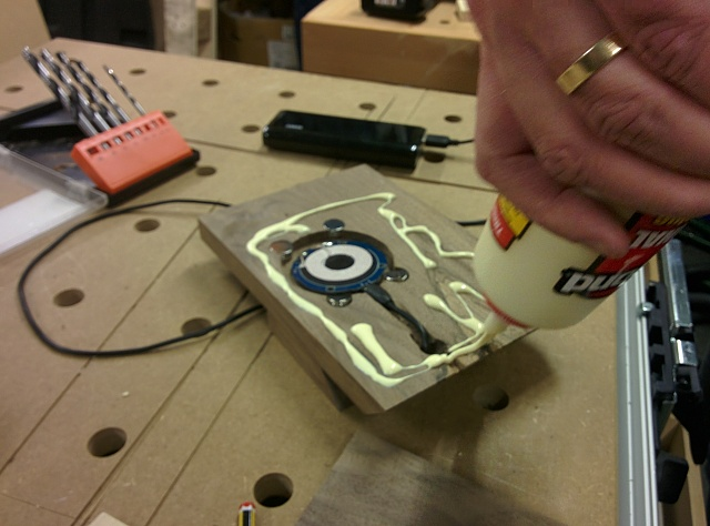 DIY Wireless Charger Stand for Nexus 5-img_20150214_183659.jpg
