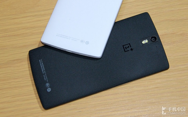 OnePlus One black & white - which one looks better? [Poll]-oneplus-one-black-vs-oneplus-one-white-image-3.jpg