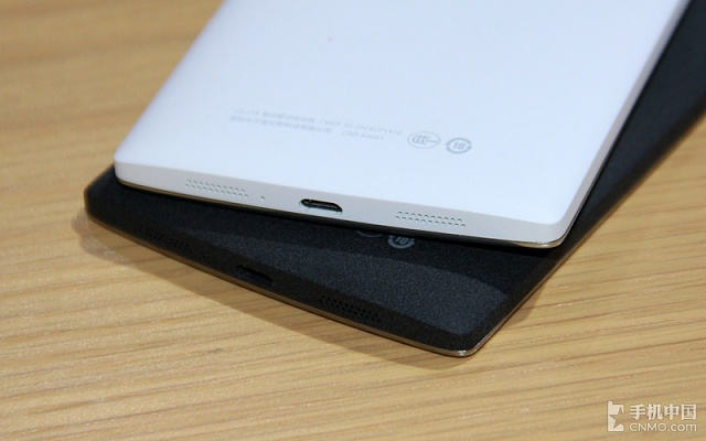 OnePlus One black & white - which one looks better? [Poll]-oneplus-one-black-vs-oneplus-one-white-image-4.jpg