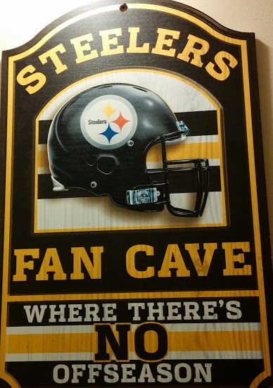 Weekly Photo Contest: Signs-fan-cave.jpg