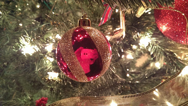 Holiday Photo Contest: Android mini collectible giveaway!-christmas-.jpg