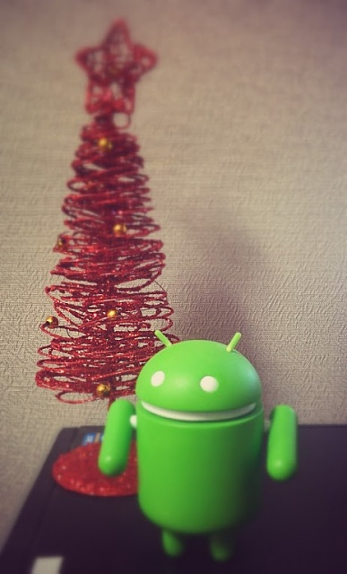 Holiday Photo Contest: Android mini collectible giveaway!-img_20131212_072542-u0025257e2.jpg
