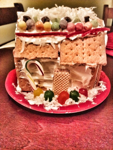 Holiday Photo Contest: Android mini collectible giveaway!-gingerbread-house.jpg