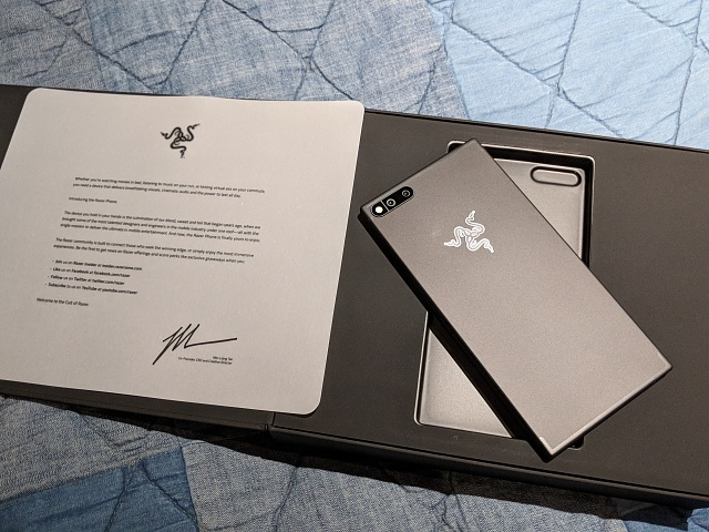 I have the Razer Phone — ask me questions!-img_20171101_230011.jpg