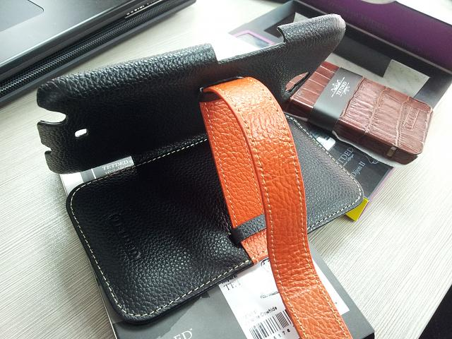 Whos going with Flip/Wallet style case?-20121030_104725.jpg