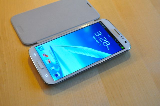 Quick Look:  Spigen Ultra Crystal Screen Shield & White Samsung Flip Cover-dsc_0013.jpg